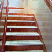 Escalera 16