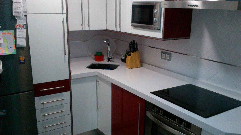 Cocina blanca lisa - Encimera cocina blanca ...