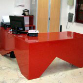 Mesa oficina compacto roja